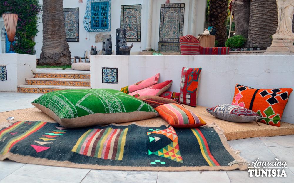 Artisanat amazing tunisia for Meuble artisanal tunisien